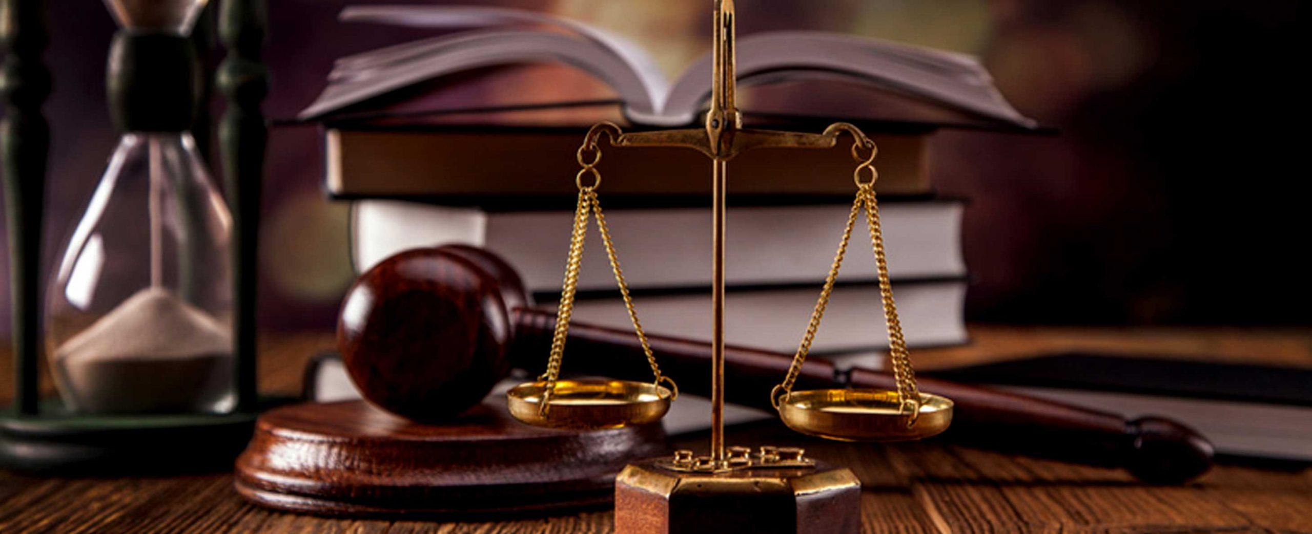 قبول وکالت در تمامی مراحل(تحقیق ، رسیدگی ، اجرای احکام )