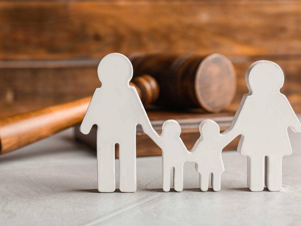 چگونه یک وکیل طلاق خوب انتخاب کنیم