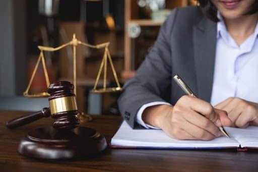 نکات مهم در انتخاب وکیل خوب