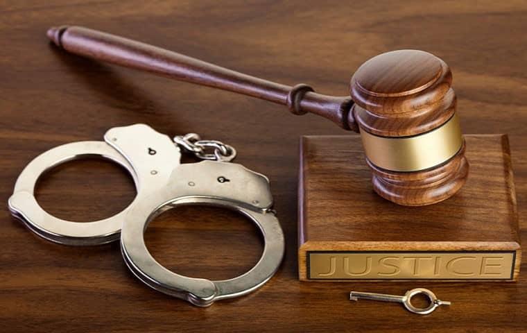 قوانین مربوط به ضمانت متهمین